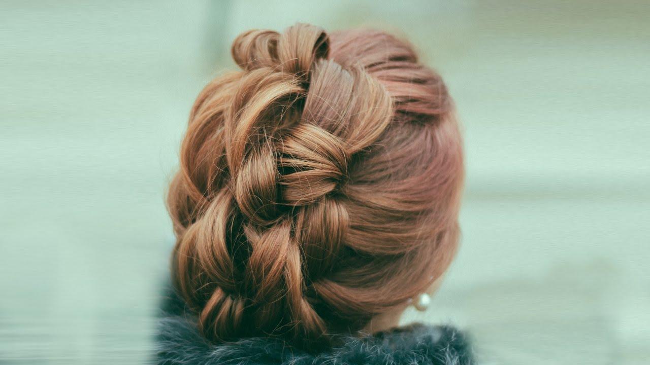 creative hairstyle. iroquois hairdo