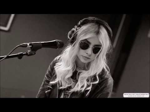 Taylor Momsen - Full interview for BBC one radio - october 9th 2016