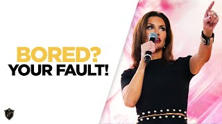 The Reason of Your Boredom is YOU - Elena Cardone at 10X Growth Conference 3