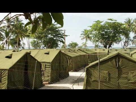 Australia to close controversial detention center