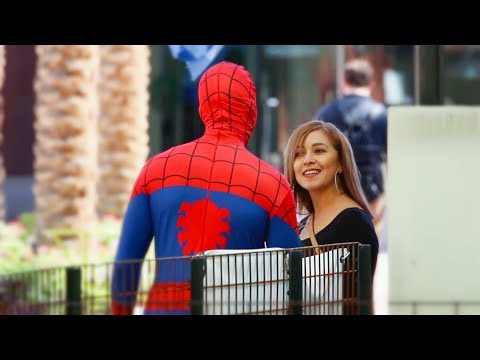 SPIDER-MAN PICKING UP GIRLS!!