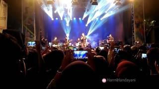 Lagu tulus manusia kuat youtube live di Gen Lokal Festival
