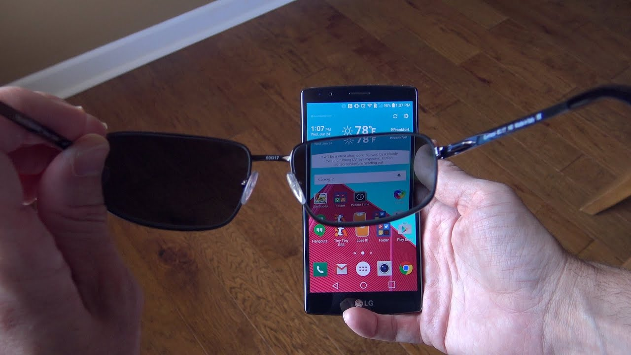 polarized glasses  The Effects of Polarized Sunglasses on Smartphones! - YouTube