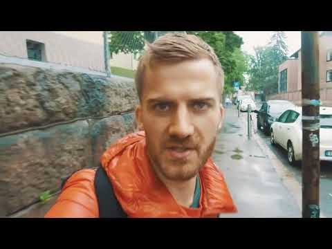 Johnny Harris found Teslas everywhere when he traveled to Oslo for Vox Border    1