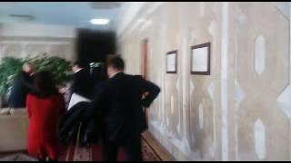 Глава ГКНБ А.Сегизбаев выбежал из кабинета спикера