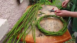 How To Make a Willow Wreath