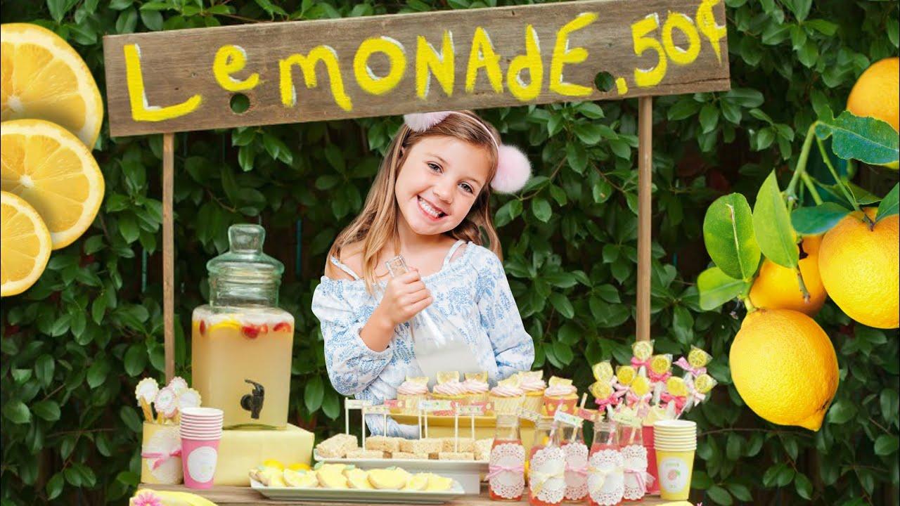 Stella makes a Lemonade Stand!!!
