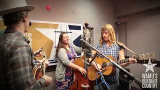Foghorn Stringband - Bring Back My Blue Eyed Boy [Live at WAMU's Bluegrass Country] thumbnail