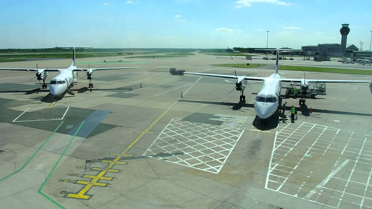 Flybe at gate terminal 3 manchester airport youtube flybe at gate terminal 3 manchester airport kristyandbryce Image collections