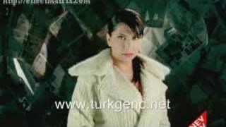 Gambar cover Ebru Yasar - O degil