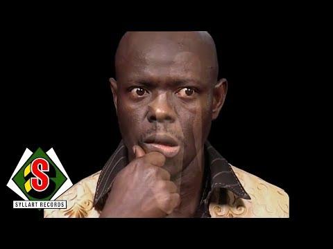 Les Leaders De Guinée - Photo Star (feat. Djely Fodé Kouyaté) [Clip Officiel]