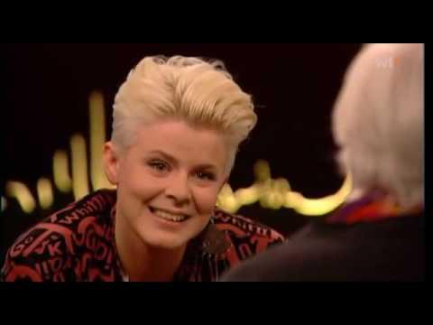 Robyn - Interview at Skavlan Subtitled