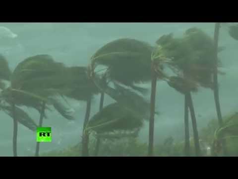 Hurricane Matthew hits Bahamas, gains on Florida
