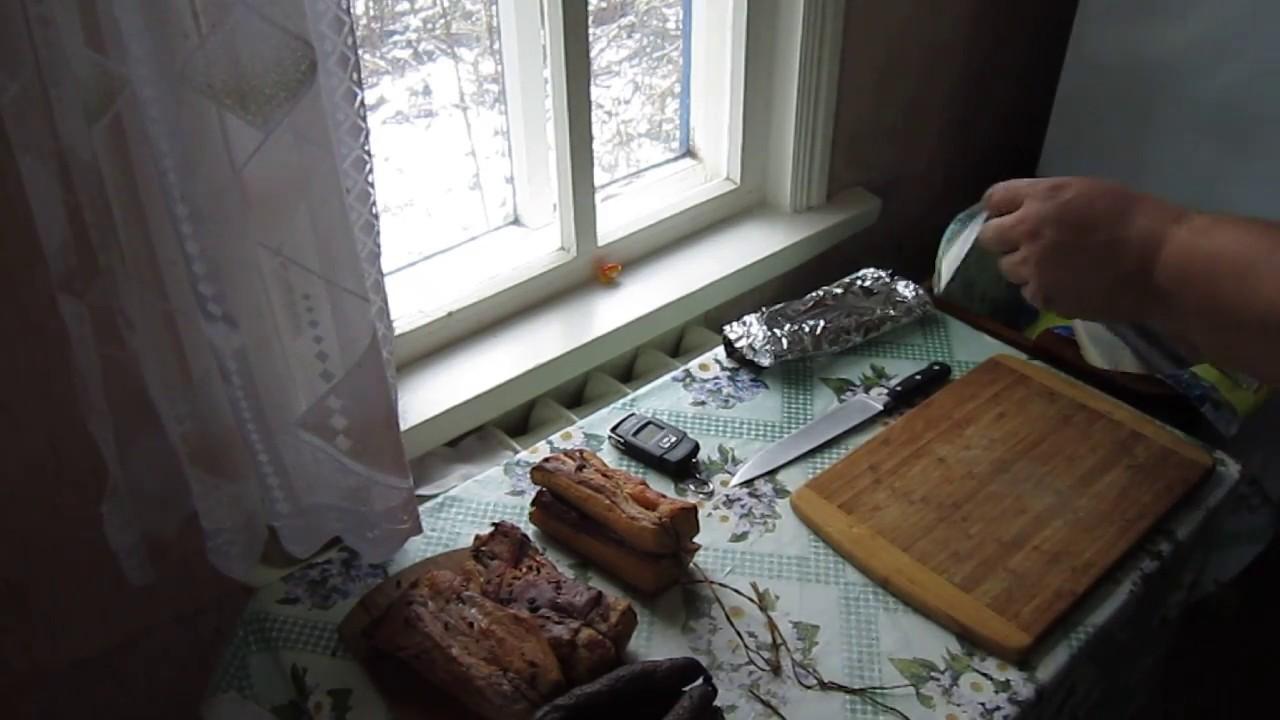 Деревня. Упаковка для колбасы и сала.