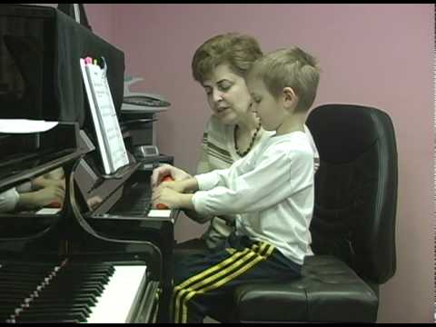 Piano Lessons for the Young Beginners. Hand Position