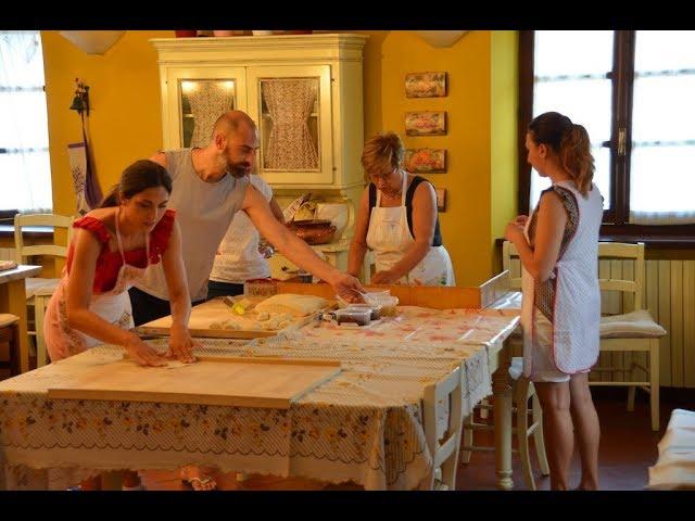 Ricette Della Nonna Instagram.Panzerotti Pugliesi In Campagna Famiglia Amore E Cucina Ricette Della Nonna Maria Youtube