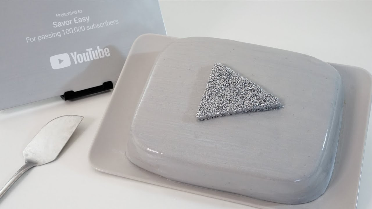 YouTube SILVER Play Button Cake | Unboxing My SILVER Play Award
