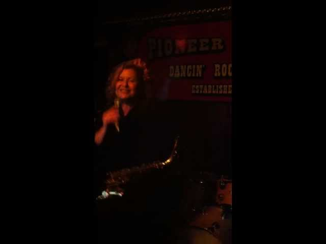 Dolly Rappaport and Friends live at the Pioneer Saloon - Walkin the Dog