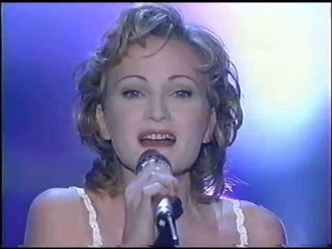 Patricia Kaas - Il me dit que je suis belle (Sacrée Soirée 10/1993)