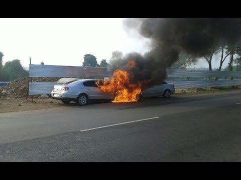 CARS BURST INTO FLAMES ON MAPUSA- GUIRIM ROUTE _Prudent Media Goa
