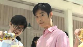 【日本廣告】堺雅人在用心地烤肉時,為喝啤酒不留神時被人夾走了肉,你...