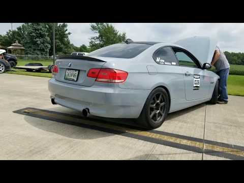 download 685rwhp stage 3 turbo BMW 335i vs 620whp GTR - 1/2 mile dig race