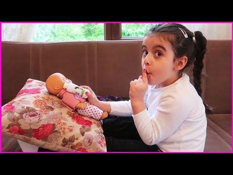 RÜYA BEBEĞİNİ AYAĞINDA SALLADI, UYUTTU | Kids Fun Pretend Play with Are You Sleeping Kids Song