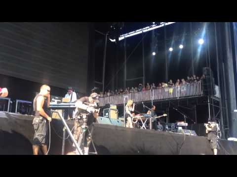 Metric Live At Lollapalooza 2012, 'Speed Of Collapse'