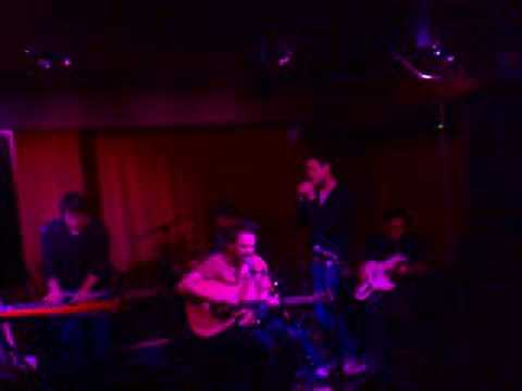 Frightened Rabbit Keep yourself warm at the Captains Rest
