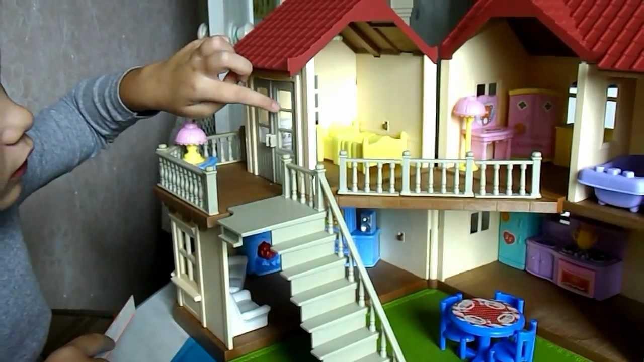 Он производит серии уникальных игрушек в виде лесных зверюшек и специальных. Купить sylvanian families в наши дни достаточно легко.