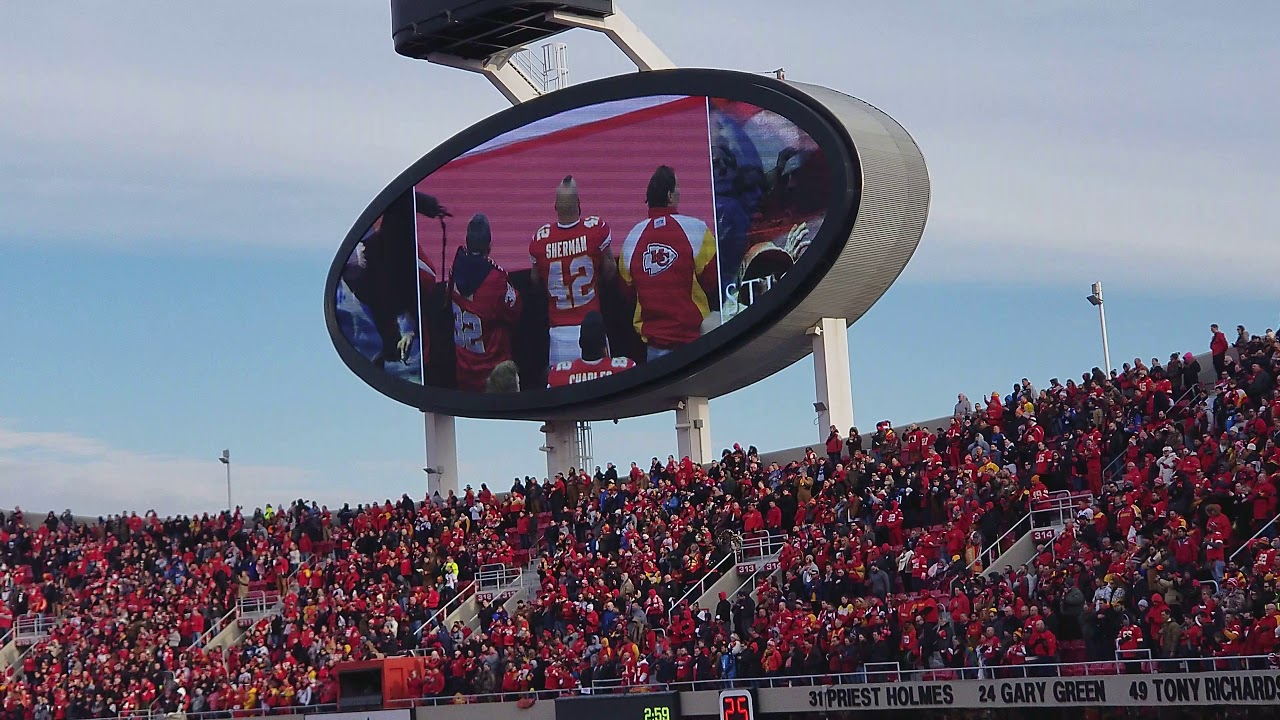 2018 B2 Stealth Bomber Flyover Chiefs Titans Playoff Game Youtube