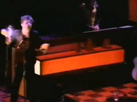 Tom Waits - Telephone call from Istanbul (Live)