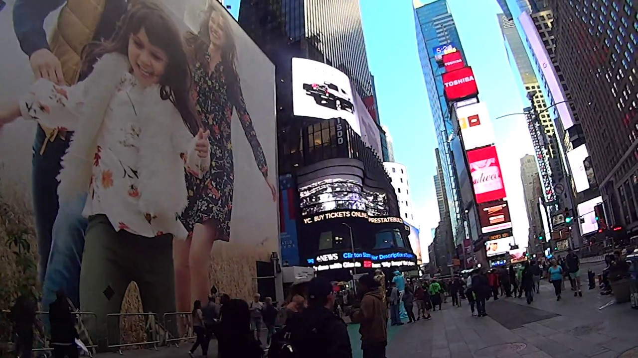 Naked Cowboy at Times Square - YouTube