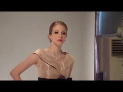 v-neck-short-cocktail-length-taffeta-mother-of-the-bride-dress---style-md5823---helenebridal.com