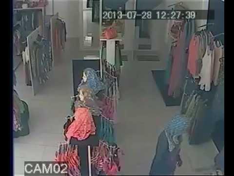 سرقة ملابس داخلية نسائية