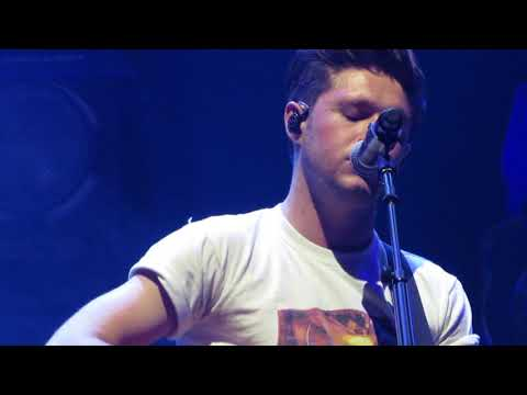 Niall Horan - Fire Away - Beacon Theater NYC - 10/31/17