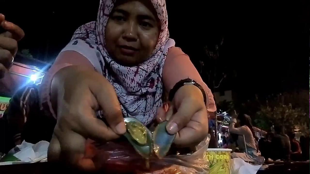Vlog Tukang Makan Review Kuliner Alun Alun Kota Bekasi Deket Stasiun Bekasi Kerang Ijo Jasuke
