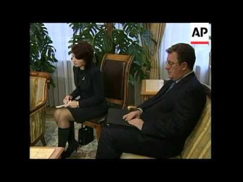 Putin meets Thaksin, looking to boost bilateral trade