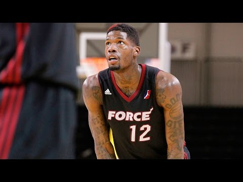DeAndre Liggins 2015-16 NBA D-League Defensive Player of the Year