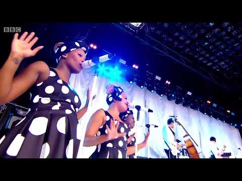 Paloma Faith - Stone Cold Sober (Glastonbury 2015)