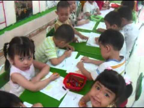 Lớp học mẫu giáo của Thái Phong 3.DAT