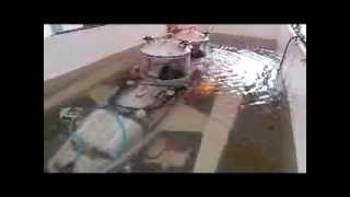 Испытание подводной лодки в спец бассейне.(Испытания устойчивости малогабаритной подводной лодки в бассейне. Конструктор- инженер Луспарян Артем..., 2013-11-12T11:18:15.000Z)