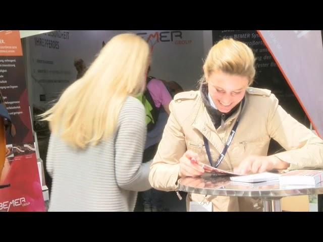 DKB Riders Tour -  Jannes Autogrammstunde bei BEMER