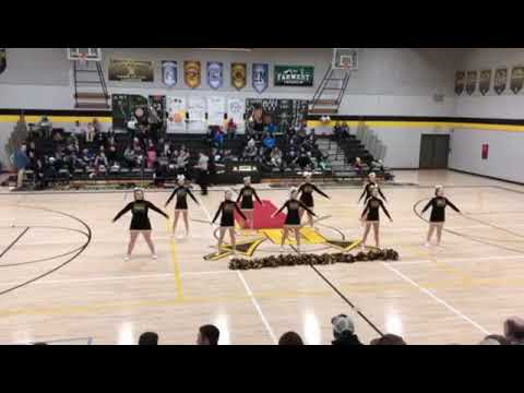 South Umpqua High School Varsity Cheer 2019 last half time basketball season preformance