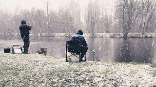 Отличный Улов В Ужасную Погоду Рыбалка С Ночевкой Хороший Клёв На Реке Друть Лещ На Фидер