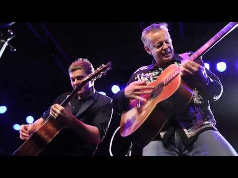 Tommy Emmanuel and Joe Robinson Classical Gas