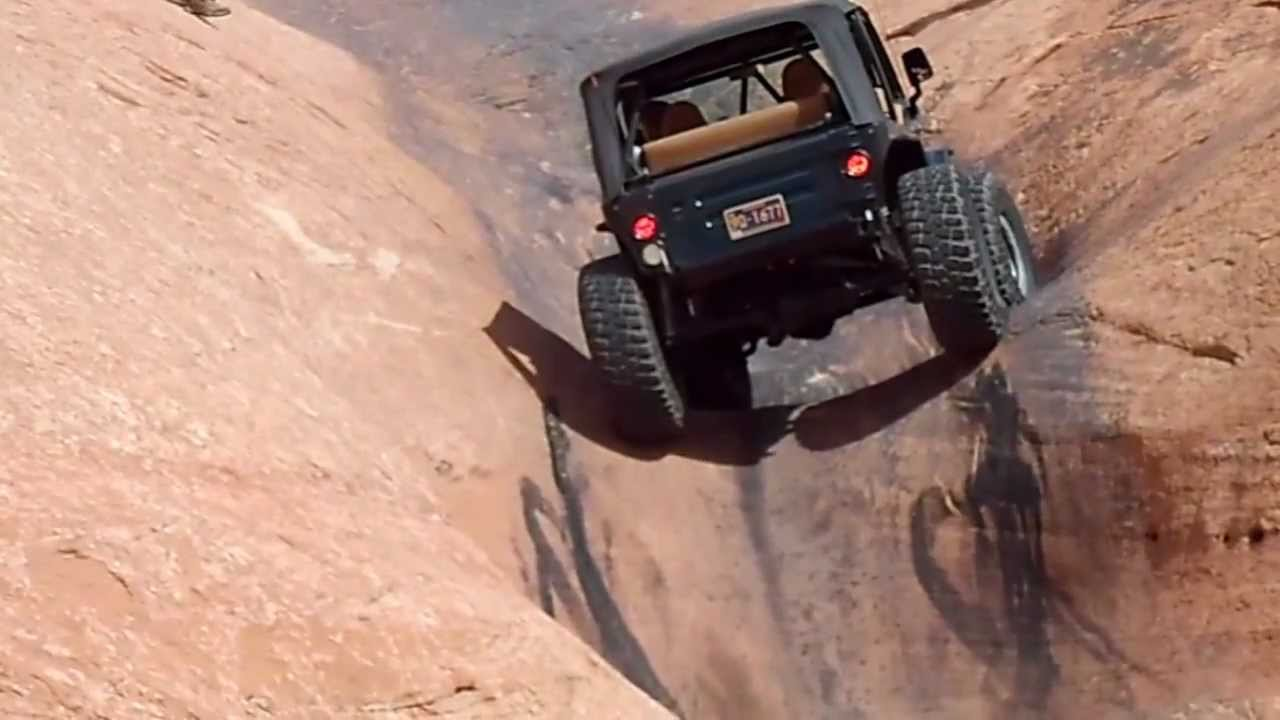 green jeep goes up the escalator hell 39 s revenge trail moab utah may 26 2012 youtube. Black Bedroom Furniture Sets. Home Design Ideas