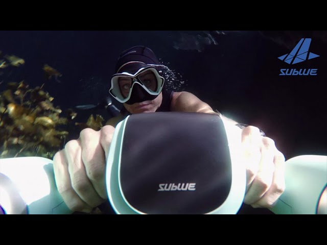 WHITE SHARK MIX // Underwater Scooter // Arctic White video thumbnail