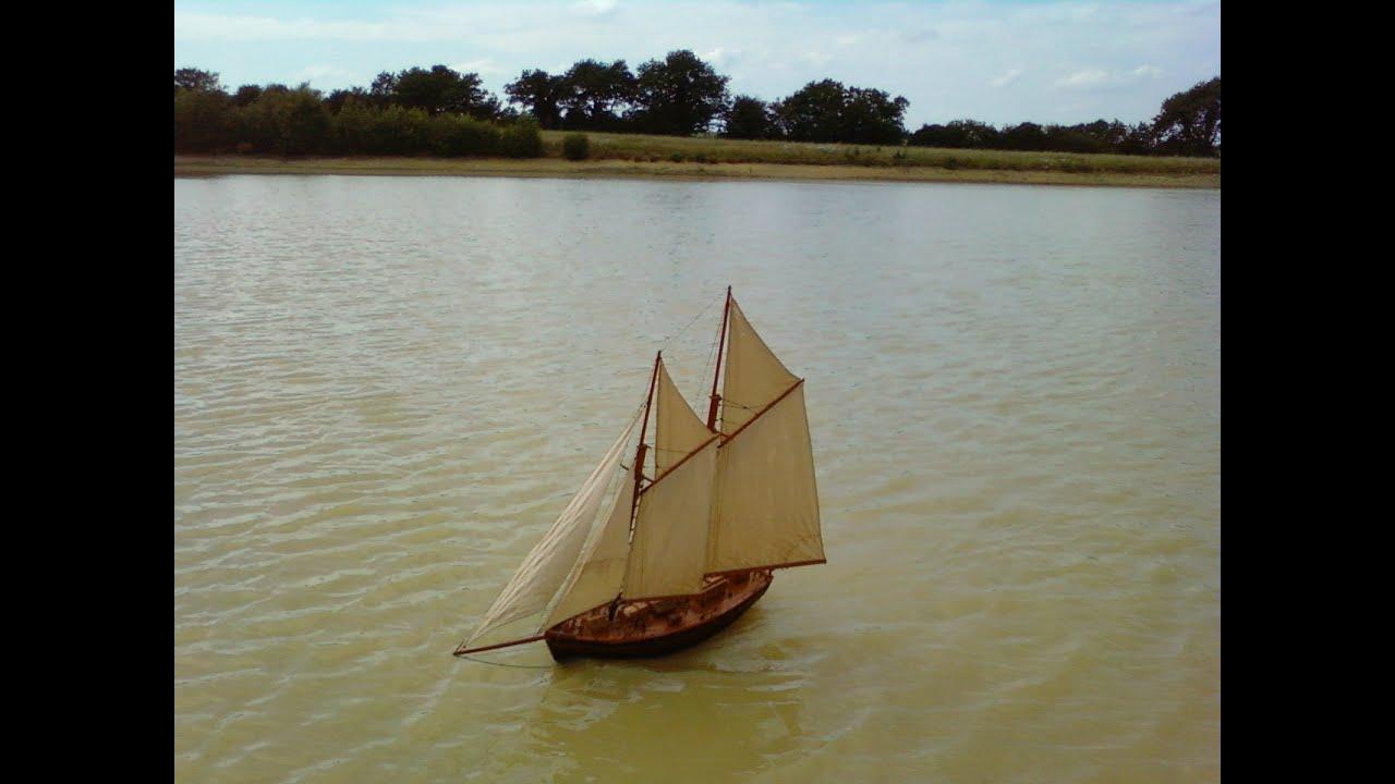 Voilier vieux gréement rc Le Thalassa modèle réduit bateau - YouTube