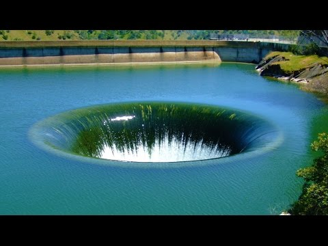 Thumbnail: 12 Strangest Lakes in the World